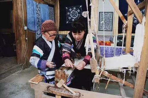 从拾荒妹成为全国纺织业人大代表是一种什么体验?