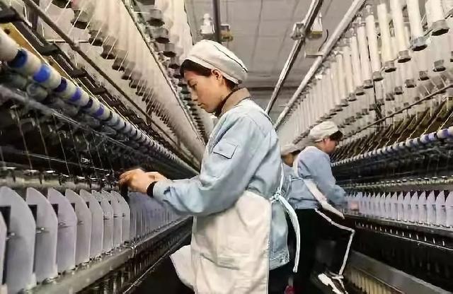 """陕西纺织业开展""""学习习近平总书记亲切勉励,争做新时代最美奋斗者""""活动"""