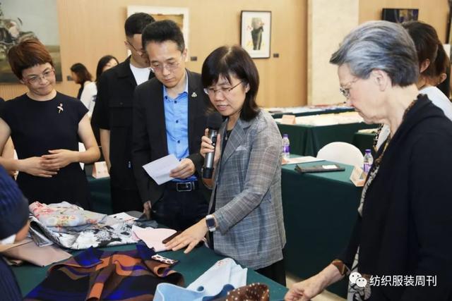 动态   高品质产品开发,迈向新阶!第42届(2020/21秋冬)中国流行面料入围评审活动在北京举行