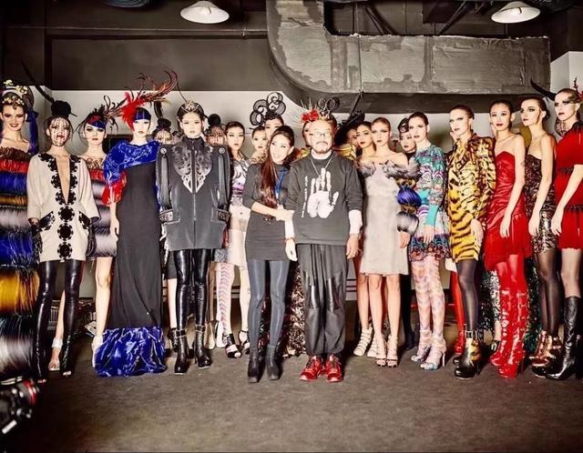 世界知名时装杂志_韩国知名服装设计师_世界著名时装设计师_中国著名服装设计师 ...